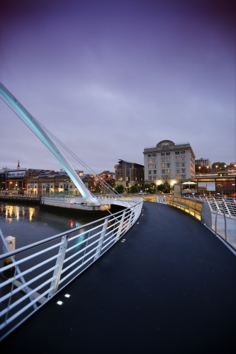 Gateshead Millennium Bridge by Richard Osbourne