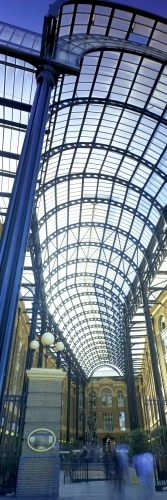 London - Hay's Galleria by Richard Osbourne