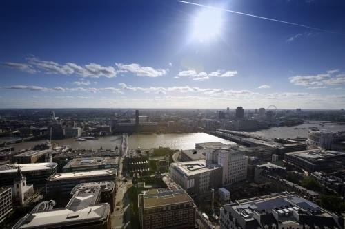 London - Southbank by Richard Osbourne