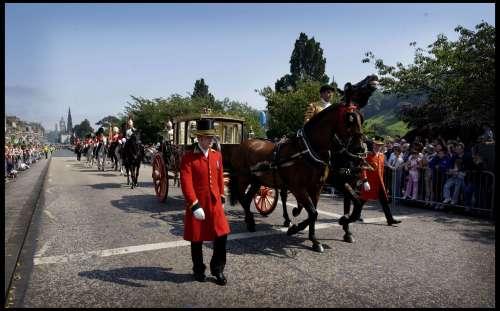 The Queens Carriage Edinburgh Festival Calvalcade by Mirrorpix