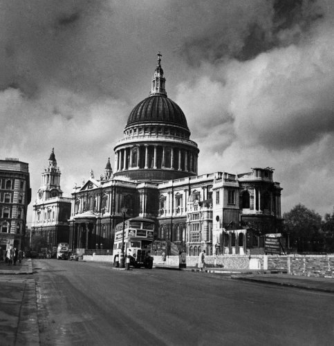 The great dome of St. Paul's, 1952 by Mirrorpix