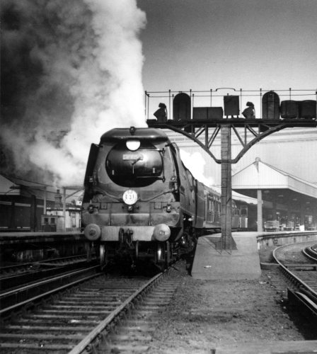 No 34052, Lord Dowding class locomotive, Battle of Britain by Mirrorpix