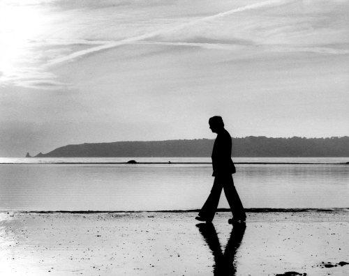 Lonely walk for Billy Walker by Mirrorpix