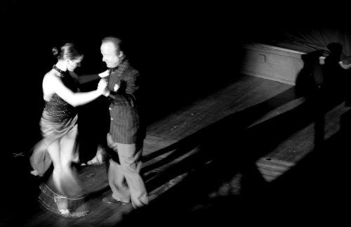 Tango dancing (Liliana Tolomei and Carlos El Tordo) by Mirrorpix