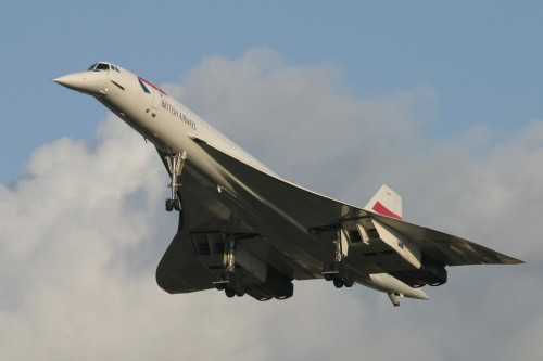 Concorde lands for the final time at Heathrow Airport by Mirrorpix