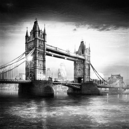 Tower Bridge by Jurek Nems