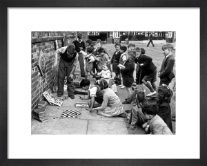 Street games, Ashford 1949 by Mirrorpix