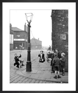 Street games, Manchester 1943 by Mirrorpix