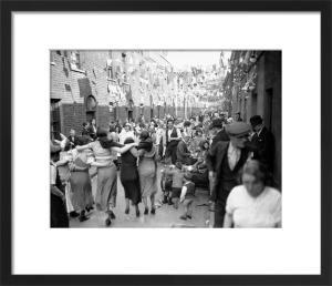 Silver Jubilee street party, East End 1935 by Mirrorpix