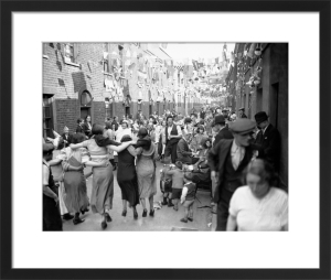 Silver Jubilee street party, East End 1935 by Mirrorpix