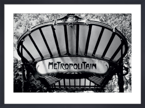 Metro Entrance, Paris by Heiko Lanio