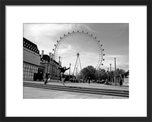 Blade jump, London Eye by Niki Gorick