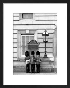 Guardsmen Buckingham Palace by Niki Gorick