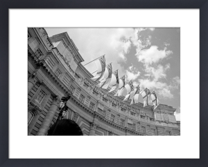Admiralty Arch by Niki Gorick