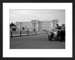 London to Brighton Race passes Buckingham Palace by Niki Gorick