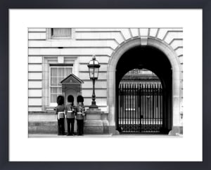 Guard change, Buckingham Palace by Niki Gorick
