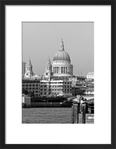 City romance, St. Paul's Cathedral by Niki Gorick