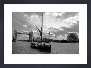 Thames barge, Pool of London by Niki Gorick