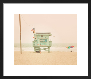 Beach Hut by Keri Bevan