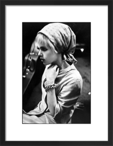Edie Sedgwick with scarf by Nat Finkelstein