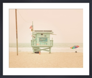 Beach Hut by Keri Bevan