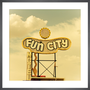 Las Vegas - Fun City Motel by Keri Bevan