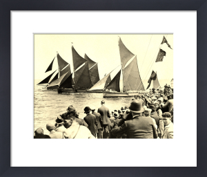 Thames barge racing in the '30s by Anonymous