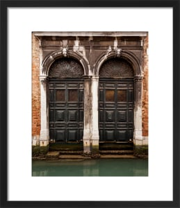 Veneziano Gothic by Julian Elliott