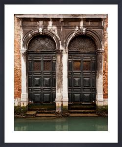 Veneziano Gothic by Julian Elliott