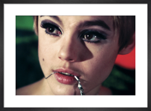 Edie Sedgwick with chain by Nat Finkelstein