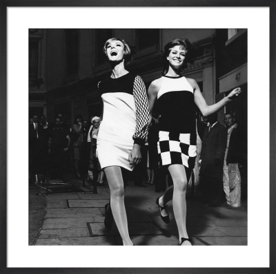 Vogue November 1965 by Ronald Traeger