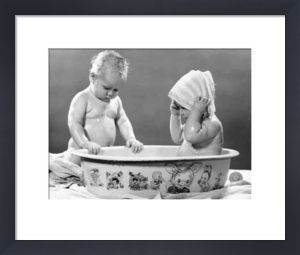 Bathing Babies by Babies Collection