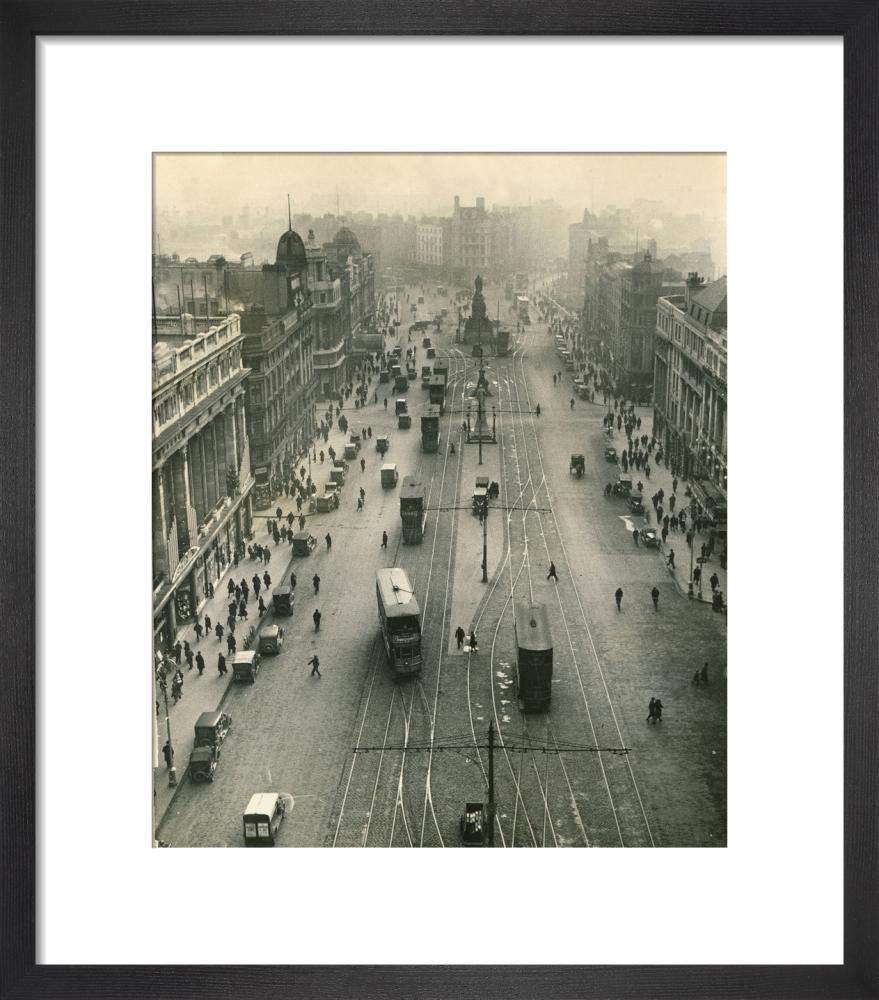 Nelson Pillar in Dublin, 1931 by Mirrorpix
