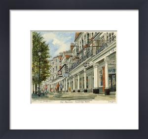 Tunbridge Wells - Pantiles by Philip Martin